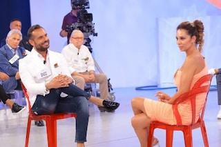 Uomini e Donne, anticipazioni: Pamela Barretta piange poi lascia il programma con Enzo Capo