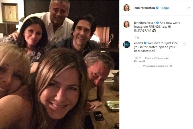 Jennifer Aniston debutta su Instagram con... gli amici