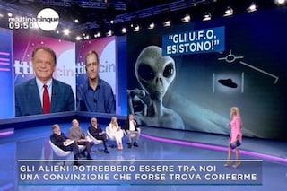 """""""Non siamo soli nell'universo"""" poi Marco Columbro si irrita con la Panicucci: """"Non lo racconto"""""""