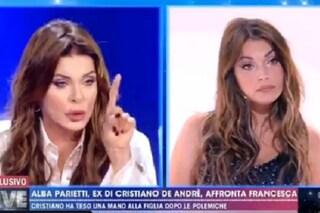 """Alba Parietti a Francesca De André: """"Sei un'invasata, l'unico tuo talento è spu****are la famiglia"""""""