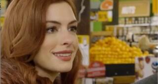 Modern Love, la serie tv Amazon con Anne Hathaway che ricorda Sex and The City