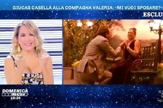 Giucas Casella chiede a Valeria Perilli di sposarlo, proposta di matrimonio in diretta tv