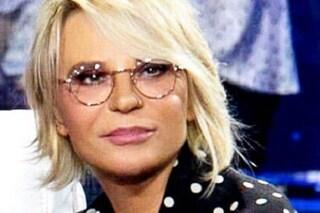 """""""Voglio una ragazza vergine con certificazione"""" e la De Filippi lo caccia dallo studio: """"Un cogl***"""""""