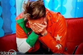 """Francesco Facchinetti scoppia a piangere in diretta ricordando l'amico morto: """"Mi manca ogni giorno"""""""