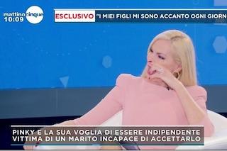 """""""Mamma, insieme ce la faremo"""": Panicucci commossa dal figlio di Pinky, bruciata viva dal marito"""