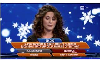 Gaffe a l'Eredità: Flavio Insinna suggerisce la risposta alla concorrente, che però sbaglia