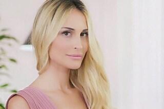 """""""Ho una dignità che non finisce più, su di me solo chiacchiere"""": così Noemi Letizia debutta in tv"""