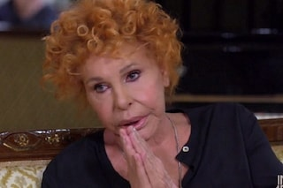"""Ornella Vanoni: """"Mi faccio una canna da 55 anni prima di dormire, mi servono badanti che rollano"""""""
