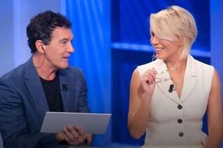 La terza puntata di C'è posta per te, Giulia Michelini e Antonio Banderas in studio