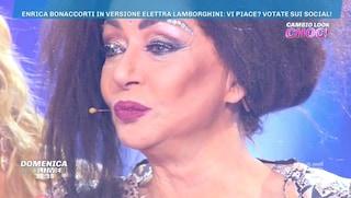 Enrica Lamborghini, a Domenica Live è di scena la trasformazione di Enrica Bonaccorti