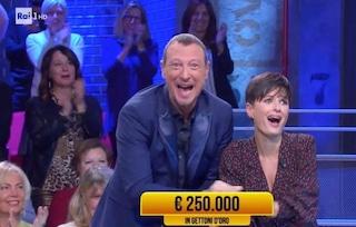 I Soliti Ignoti con Lotteria e Big di Sanremo domina gli ascolti, flop per Pinocchio di Benigni