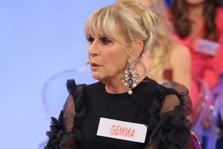 Trono Over, anticipazioni: Emanuele si dice molto attivo sessualmente, Gemma Galgani si irrigidisce