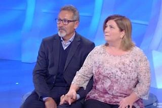 Vincenzo accetta di vedere la figlia ma la compagna Graziella rifiuta e lui cambia idea