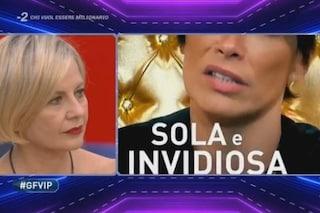 """Antonella Elia insulta Fernanda Lessa: """"Svieni da 13 anni perché sei ubriaca, sei un mostro"""""""