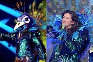 Il Pavone de Il cantante mascherato 2020 è Emanuela Aureli: tutti gli indizi