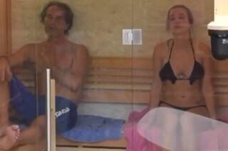 """Antonio Zequila si dichiara a Clizia al GF Vip: """"Mi piaci"""", lei finge imbarazzata di non cogliere"""
