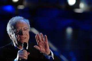 """Johnny Dorelli assente a Sanremo 2020, Amadeus: """"Problemi di salute, lo aspettiamo fino a sabato"""""""
