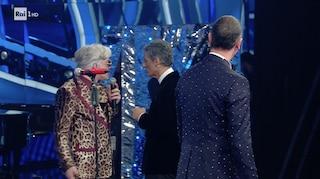 Perché Bugo lascia il palco di Sanremo, Amadeus interrompe l'esibizione con Morgan