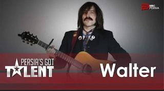 """Persia's Got Talent: Walter canta """"Lascia entrare Ascanio"""", un cult delle canzoni italianizzate"""