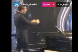 Fiorello dietro le quinte di Sanremo, la diretta Instagram durante la diretta tv