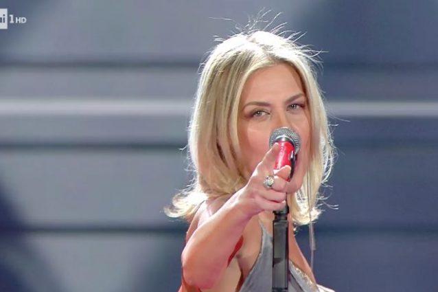 """Irene Grandi canta """"Finalmente io"""" alla finale di Sanremo 2020"""