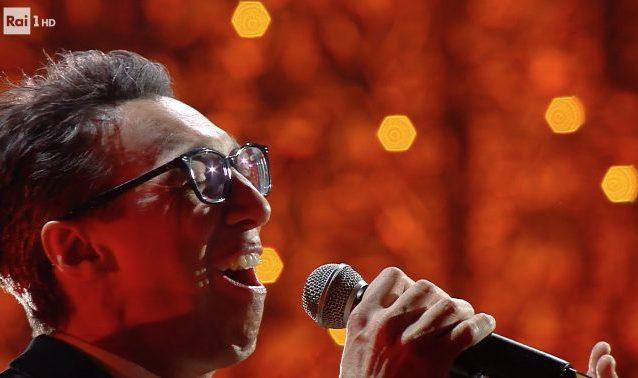 """Paolo Jannacci a Sanremo 2020 canta """"Voglio parlarti adesso"""""""