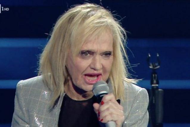 """Standing ovation per Rita Pavone e la sua canzone """"Niente"""""""