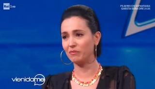 """Caterina Balivo non trattiene le lacrime in diretta: """"Scusate, sono umana anch'io"""""""