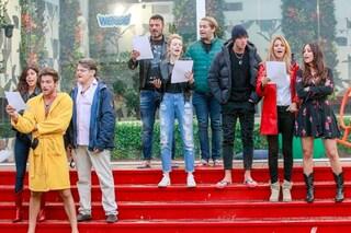 """Il GfVip partecipa al Flash Mob contro il Coronavirus e canta """"Azzurro"""""""