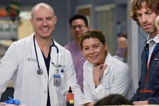 Coronavirus, le serie tv Grey's Anatomy e The Resident donano mascherine e materiali agli ospedali