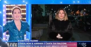 Live-Non è la D'Urso: i flash mob di solidarietà a Roma, Milano e Palermo