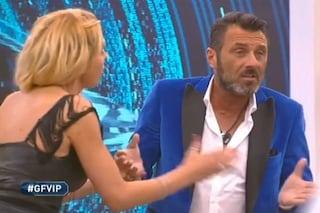 """GF Vip, Valeria Marini non salva Sossio Aruta e lui si infuria: """"Bella amica"""""""