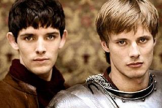 """""""Merlin"""" è su Netflix, perché la serie con Colin Morgan e Bradley James è un cult per i giovani fan"""