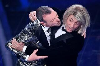 """Fiorello verso Sanremo 2021 ma avverte Amadeus: """"Svelerò le tue misure sul palco"""""""