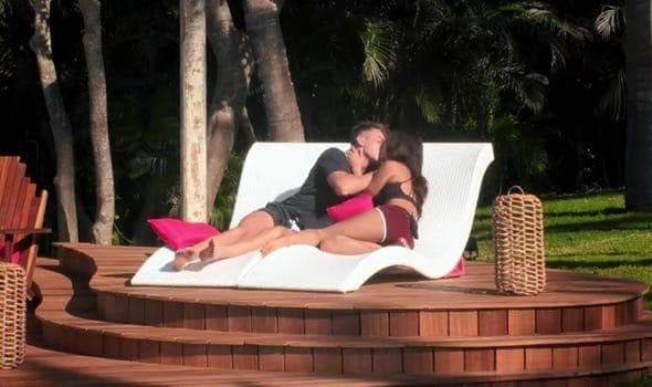 "Il bacio di Harry e Francesca a ""Too hot to handle"""
