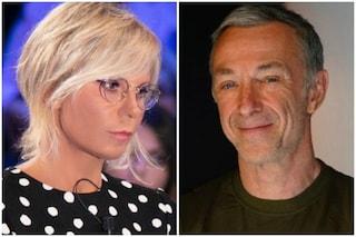 """Maria De Filippi su Linus che non passa in radio Chega di Gaia Gozzi: """"È ostico"""", arriva la replica"""