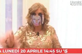 """Sulla mascherina di Tina c'è il """"volto di Gemma"""": le anticipazioni video del nuovo Uomini e Donne"""