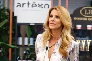 """Adriana Volpe lascia la porta aperta a Canale5: """"Farei l'opinionista al GF Vip, compatibile con TV8"""""""
