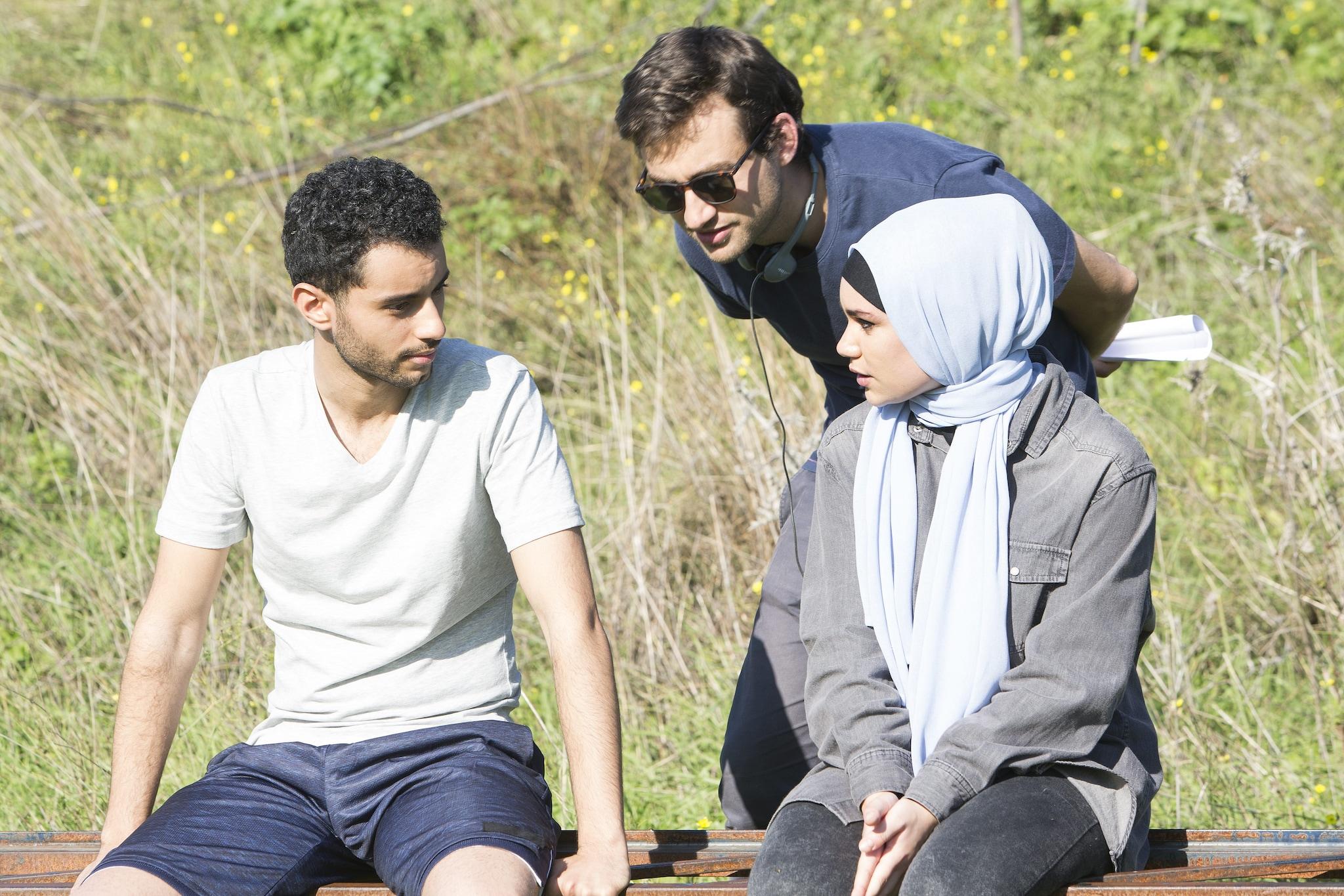 Ludovico Bessegato sul set con Sana e Malik