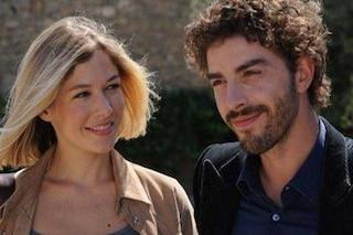 Il giovane Montalbano torna in replica su Rai1 con Michele Riondino e Sarah Felberbaum