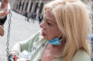 """Malore per Sandra Milo dopo l'incontro con Conte: """"Tachicardia, interrotto lo sciopero della fame"""""""