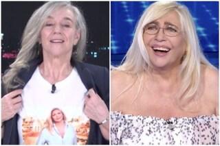 """Giovanna Botteri mette una maglia con Mara Venier: """"Dicono che ho sempre la stessa maglia invece no"""""""