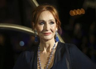 """J.K. Rowling, la mamma di Harry Potter, attacca i transessuali: """"Ho molti amici trans ma..."""""""