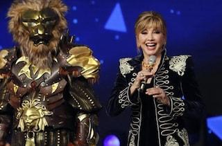 """Milly Carlucci annuncia: """"Il cantante mascherato 2021 si farà, ci saranno nuove maschere"""""""