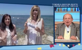 """Inviata de I Fatti Vostri lancia una bottiglia di plastica in mare, è polemica: """"Inaccettabile"""""""