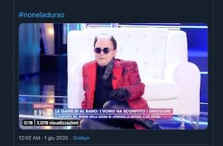 Cristiano Malgioglio cade in diretta Tv, incidente a Live - Non è la d'Urso