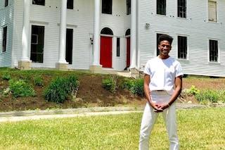 "L'attore Robert Hartwell compra una casa costruita da schiavi: ""Fiero di essere libero, nero e gay"""