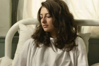 Una vita, anticipazioni 15 - 19 giugno: Lucia ha un malore e viene ricoverata, è gravemente malata