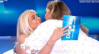 """Mara Venier abbraccia Romina Power nonostante il Covid, Laganà: """"Inaccettabile"""""""