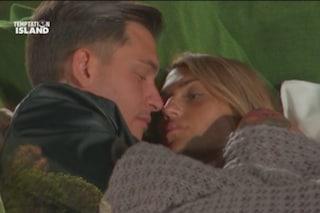 """Alessandro Basciano ammette il bacio che Valeria Liberati aveva negato, poi frena: """"Solo affetto"""""""